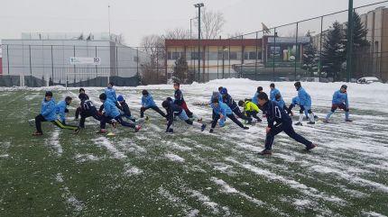 Децата от академия РД Спорт тренират с настроение дори и при зимни условия