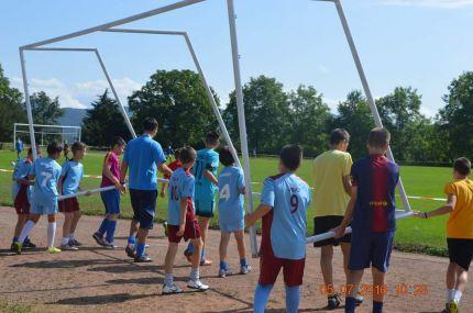От понеделник 04/07 цялата школа тренира на лагер в Троян.