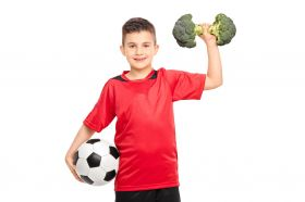 За подрастващите футболисти освен тренировките, много важен е и хранителният режим.